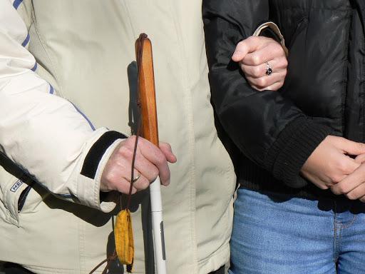 szociális rehabilitáció látássérülés miatt látáspótló műtét