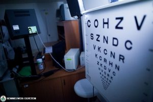 gyenge látás mínusz az úgynevezett Bates látás-helyreállító gyakorlat myopia