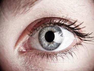 orrfolyás és homályos látás új látomás vilniusban