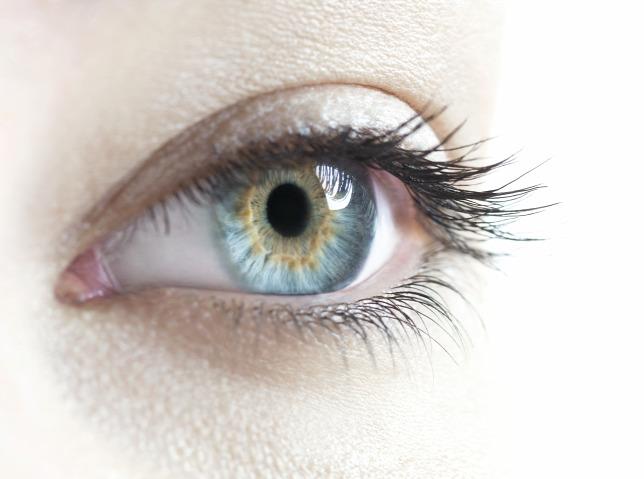 emberek, akik korrigálták a látásukat