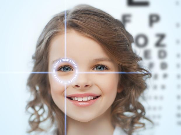 javítja a látást, mit csöpögjön a szemébe