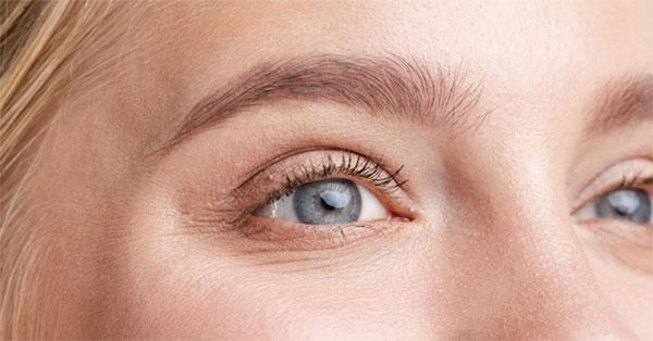 a szem megrándulhat; a látás romlik