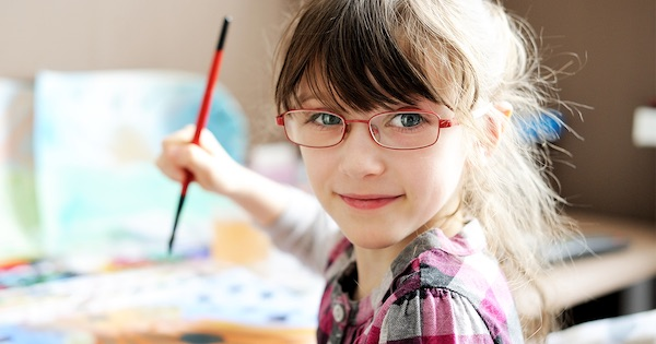 Szemvizsgálat: kép az óvodai és iskolai korú gyermekek számára - Rövidlátás August